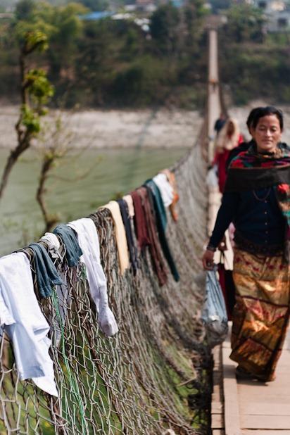 Ils ont de très très grand fil à linge au Népal