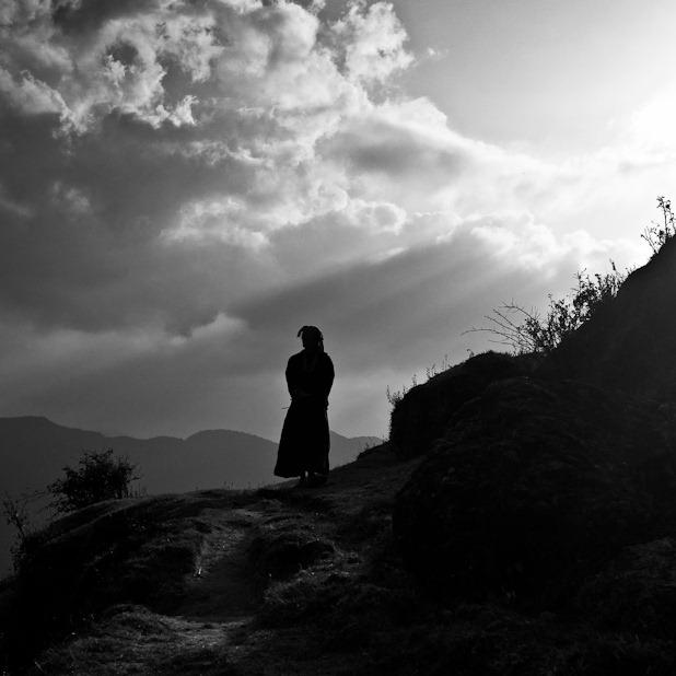 femme dans la montagne