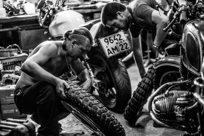 pneus moto, K60 Heidenau et E09 Mitas